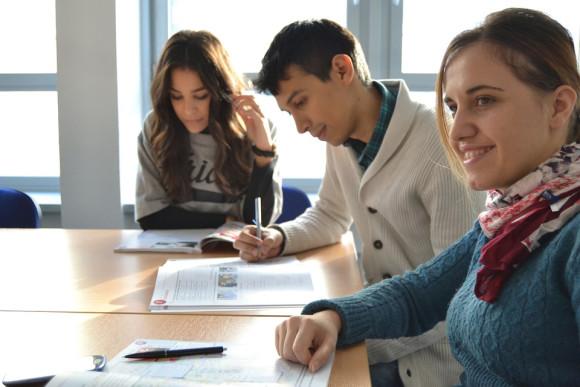Programme de réduction des primes de 15% à 25% pour étudiants